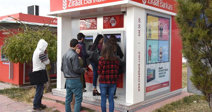 Erdoğan'dan öğrenciye müjde ! Burs ve kredilerde zamlandı