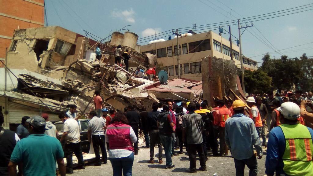 Meksika depreminde koca bina böyle yıkıldı