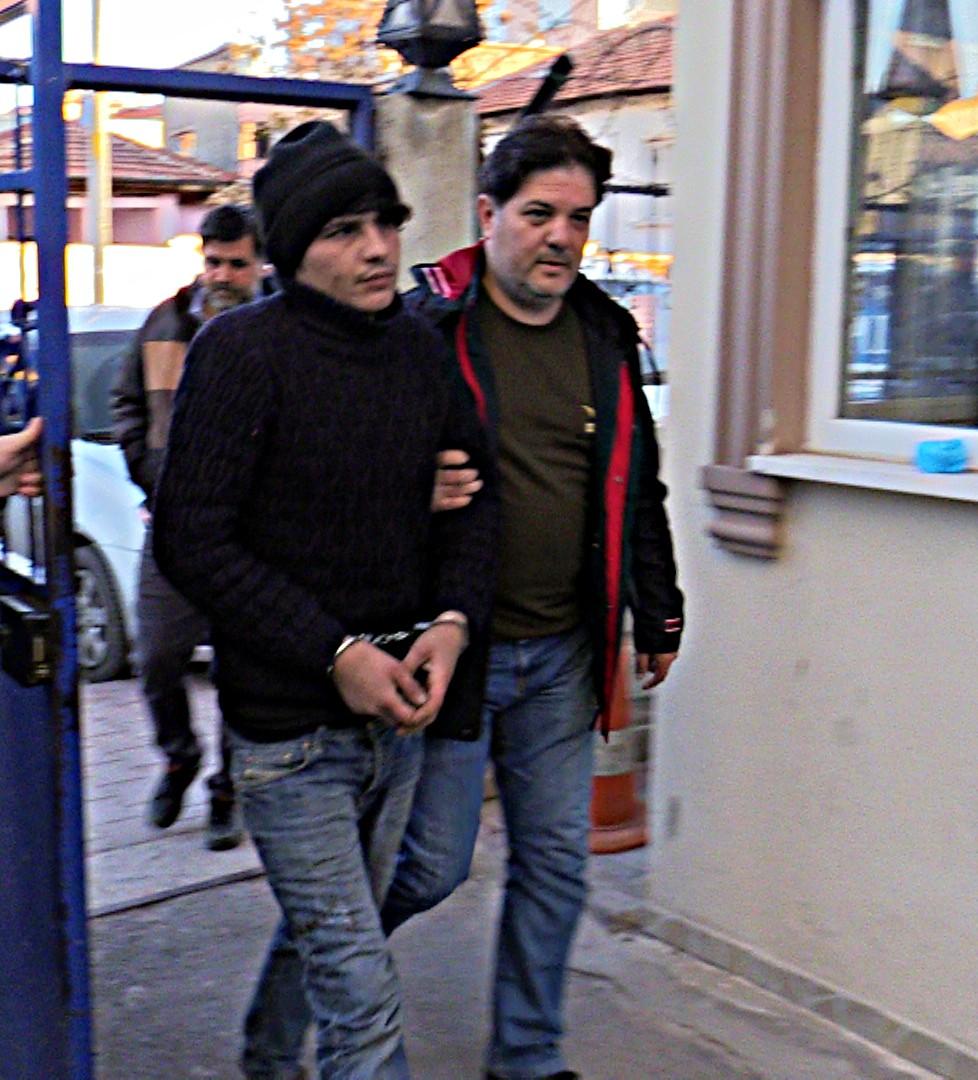 Konya'da market hırsızı güvenlik kamerasına takıldı
