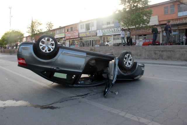 Konya'da kaza anı güvenlik kamerasına yansıdı