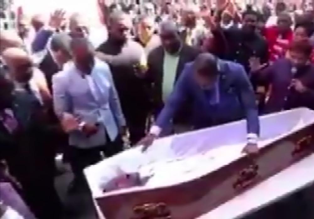 Sahtekar papazdan 'ölü diriltme' gösterisi