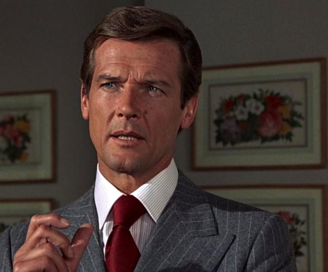 James Bond Filmlerinin Efsanesi Roger Moore Hayatını Kaybetti