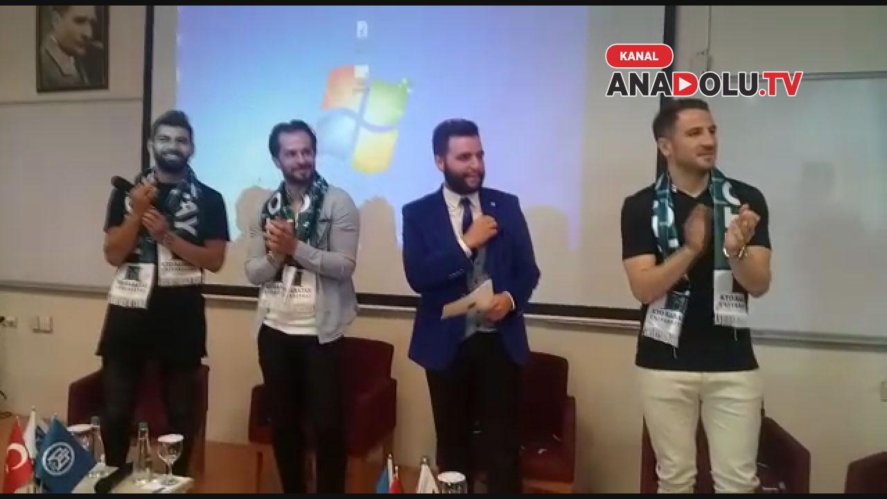 Konyasporlu futbolculara taraftardan sürpriz